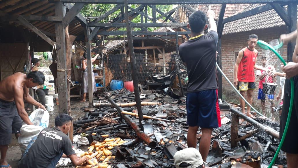 Kondisi rumah Bu Supi korban kebakaran