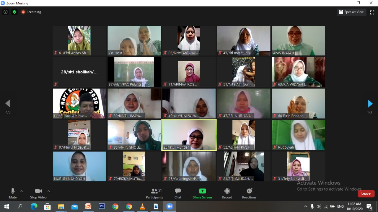Suasana Diklat Da'i- da'iyah PC Fatayat NU Ponorogo melalui zoom meeting