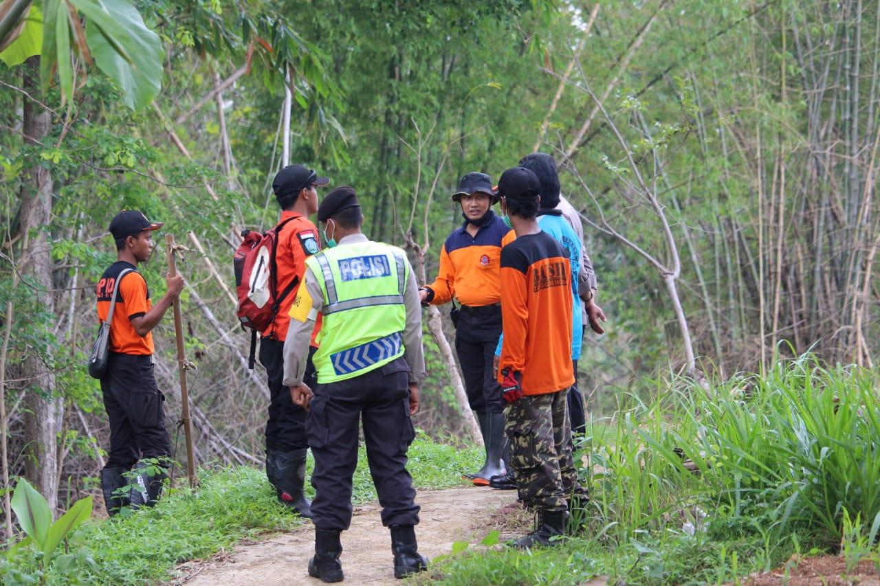 BAGANA bersama BPBD, TNIPolri, dan relawan dalam operasi SAR pencarian orang hilang di desa Wotan-Pulung