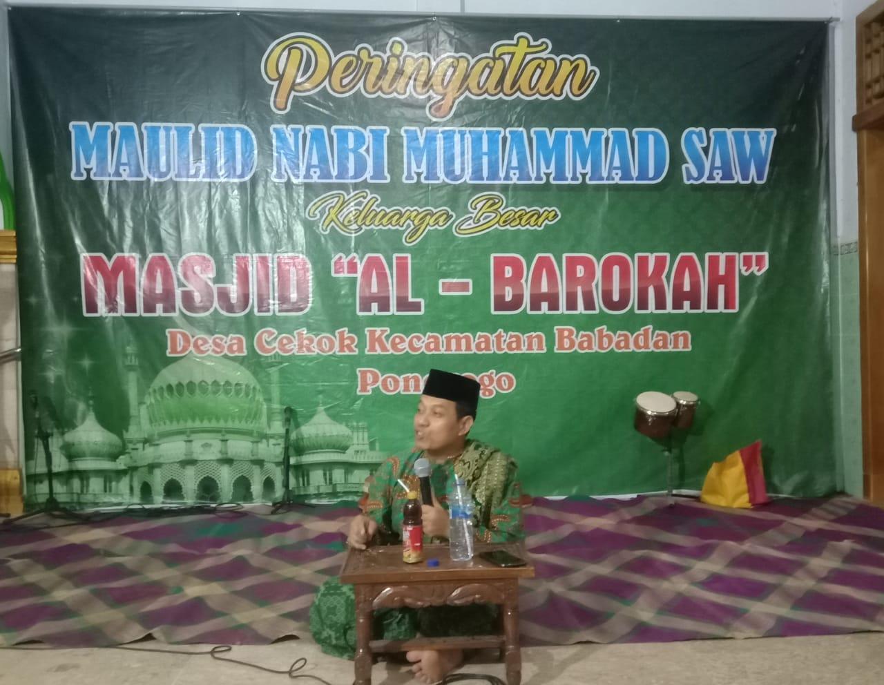 Dr. H. Lutfi Hadi Aminudin, M.Ag berceramah pada peringatan maulid Nabi di masjid Al-Barokah Cekok Babadan (1311)