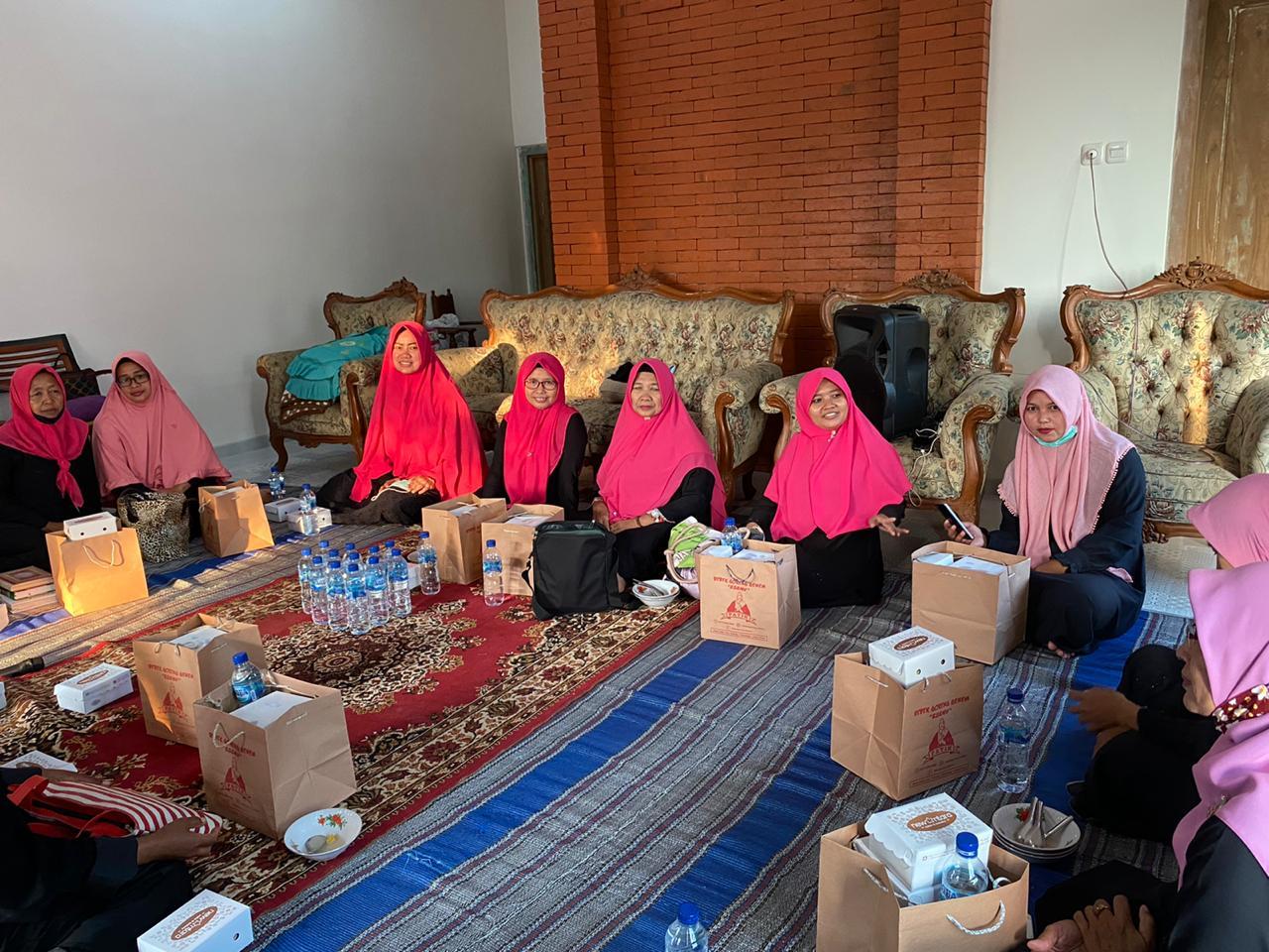 Kegiatan Jammsantri di rumah salah satu pengurus kecamatan Pulung