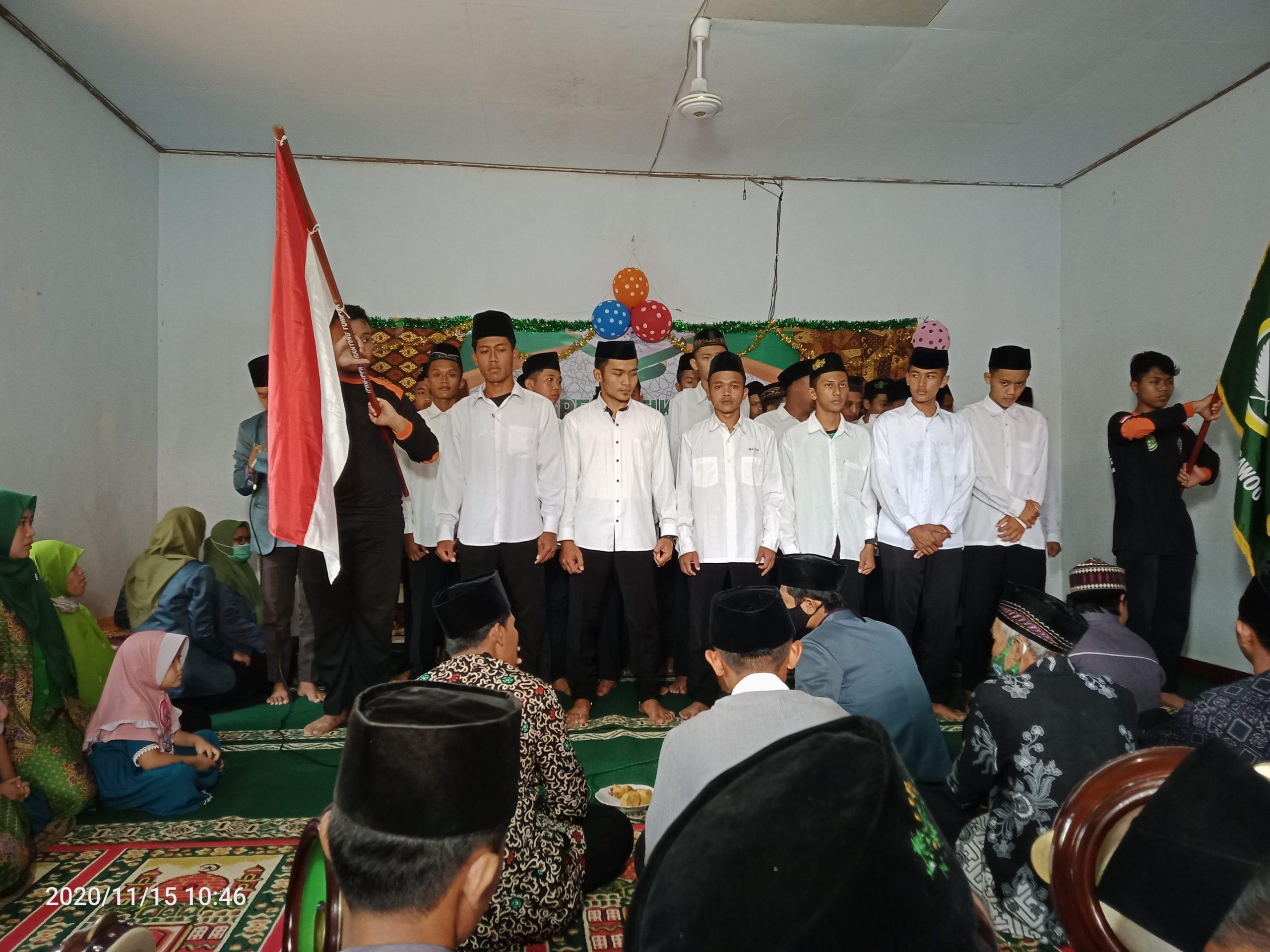 Khidmat pelantikan pengurus IPNU ranting Tumpuk- Sawoo