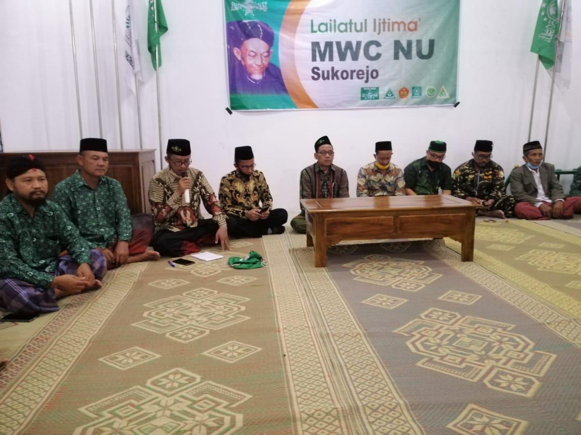 Rais PCNU KH. Moh.Sholihan al-Hafidz menghadiri acara LI di MWC NU Sukorejo (1011)