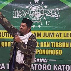 Ustadz Kholid Abasa Rifa'i, wakil ketua PC JRA Natori Katong saat memberikan tausiyah