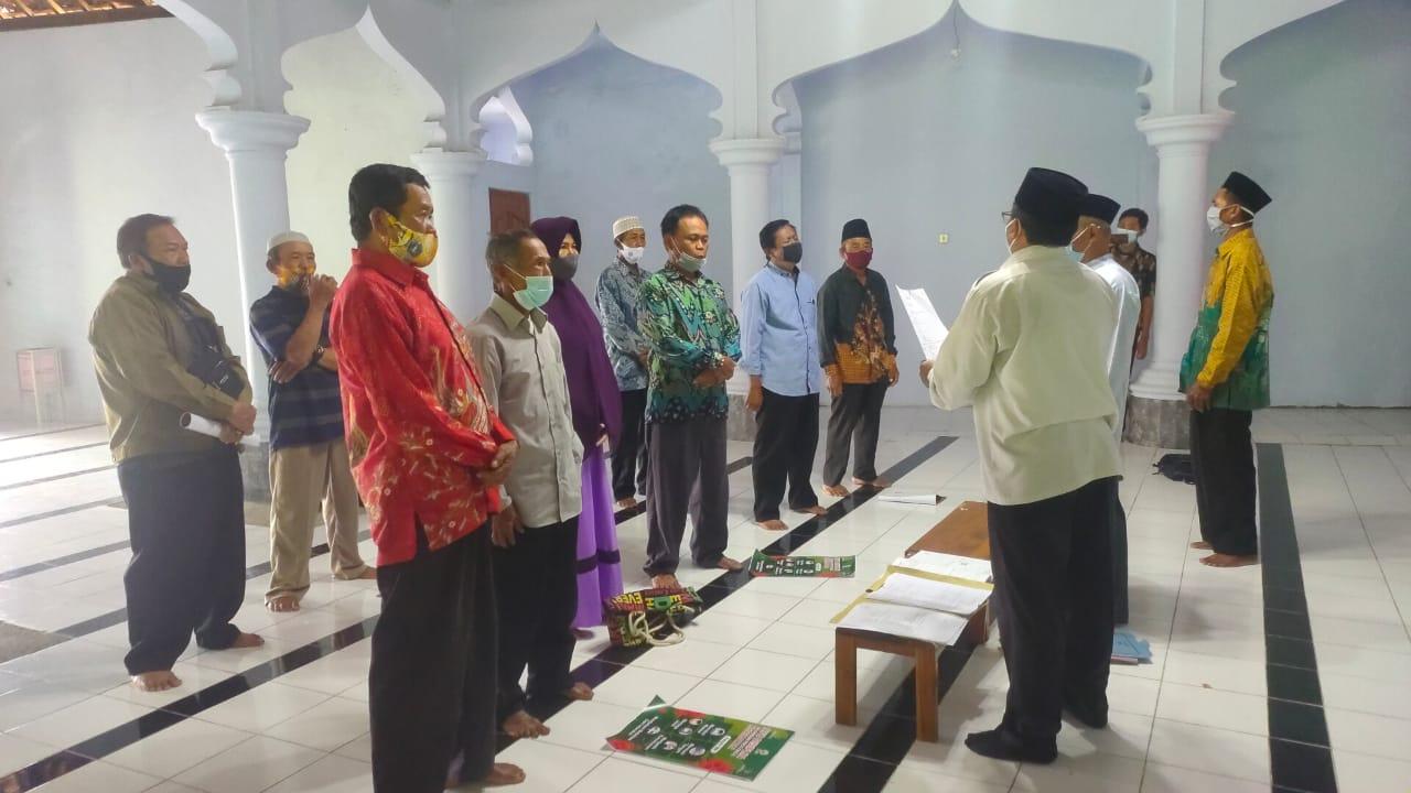 Prosesi Ikrar wakaf tanah 7 titik di desa Munggung dilakukan di Masjid Darul Huda RT 01RW 01