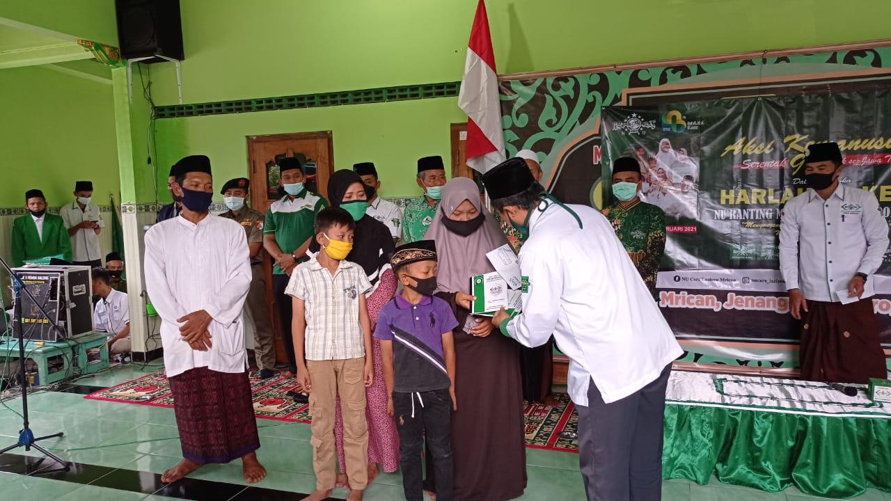 Santunan oleh NU Care-Lazisnu Ponorogo di Masjid Baitul Ikhsan, Mrican,Jenangan