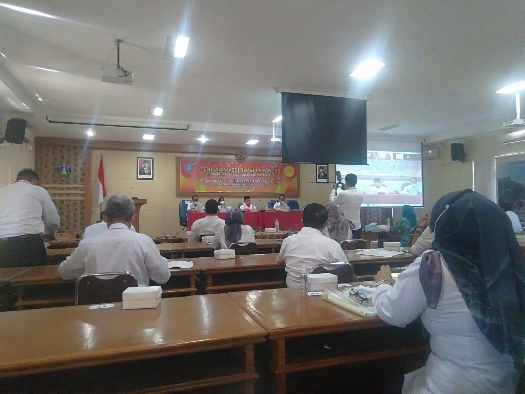 Bupati Sugiri Sancoko dan Wakil Bupati Lisdyarita hadir di acara verifikasi Lapangan Penghargaan APE