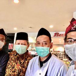 Dari kiri K. Hanif Abdul Ghofir, H. Moh. Irhamni, KH. Moh. Sholechan dan K. Sunartip Fadlan, sesaat setelah menyelesaikan proses vaksinasi dosis dua