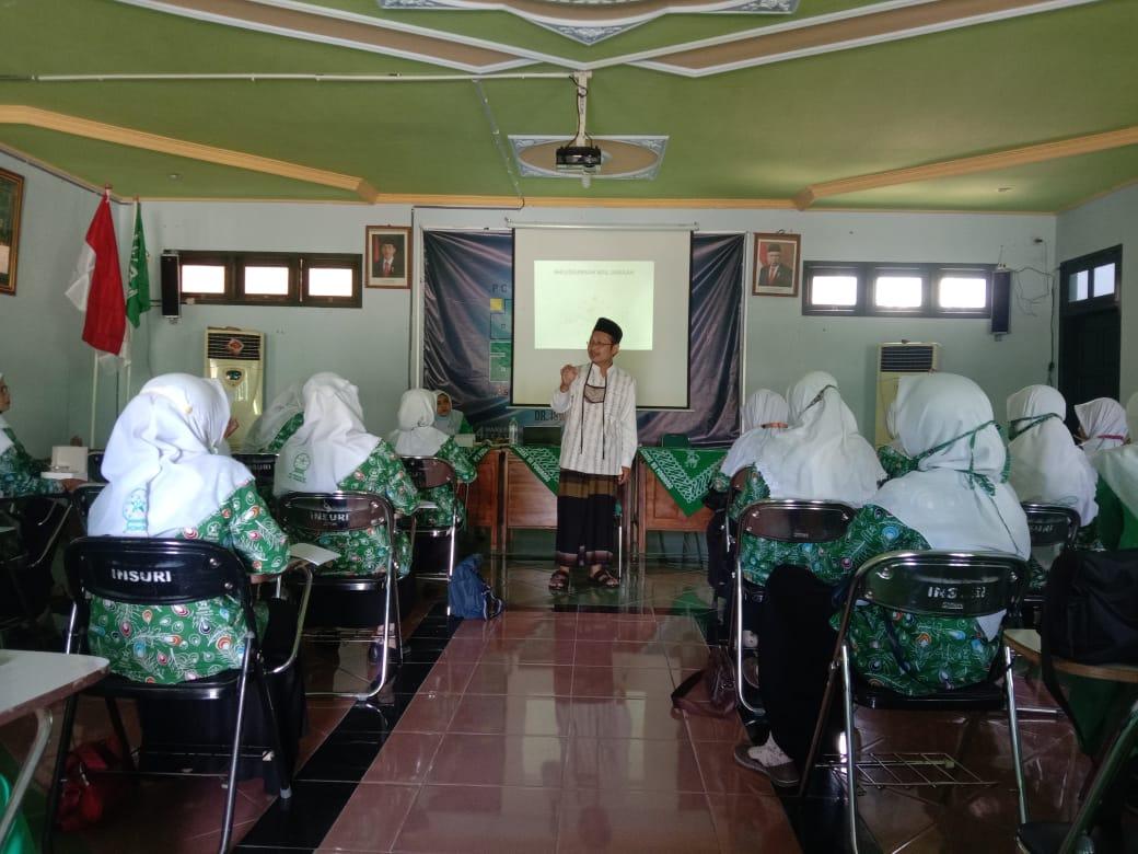 Dr. Iswahyudi, M.Fil.I saat menyampaikan materi aswaja