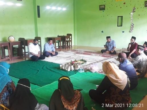 Semarak Harlah NU ke-98 SMK Wahid Hasyim Gelar Khotmil Qur'an