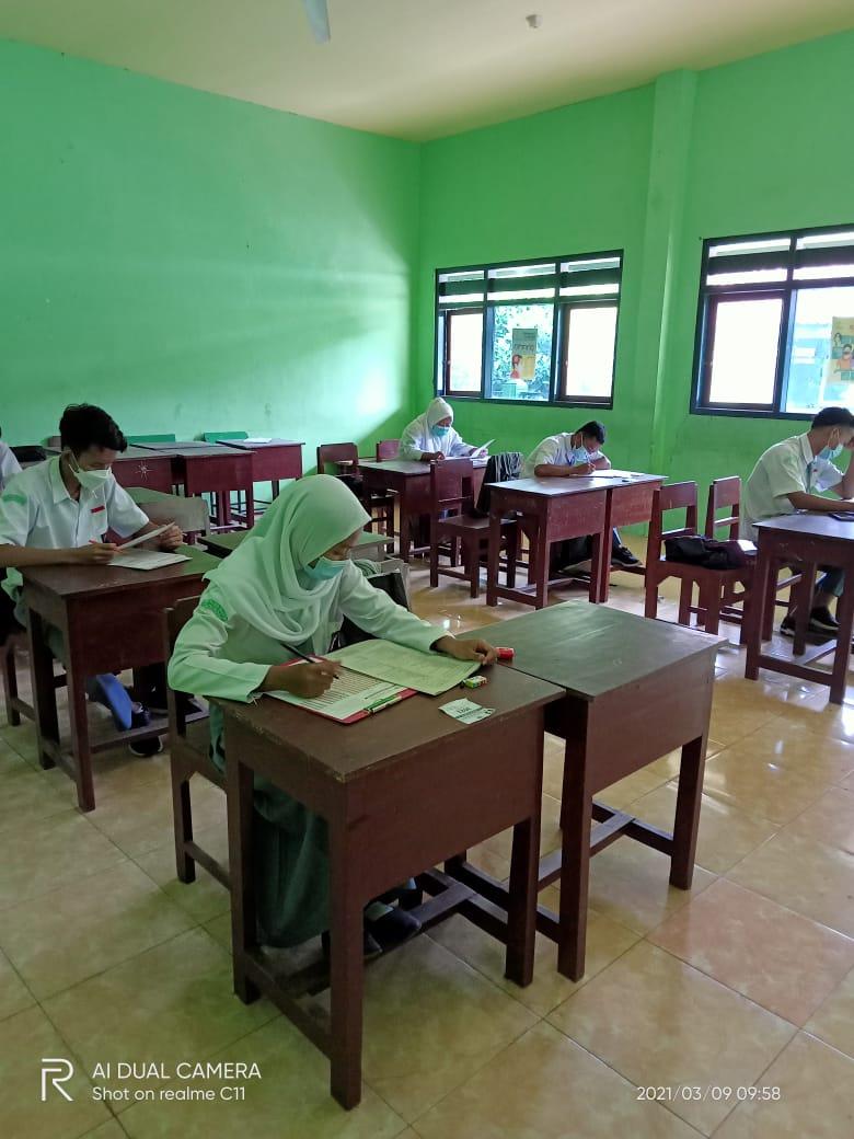 Suasana pembelajaran di SMK Wahid Hasyim selama pandemi covid-19