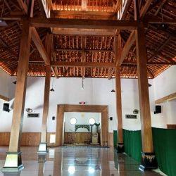Ornamen dalam masjid Imampuro setelah mengalami renovasi