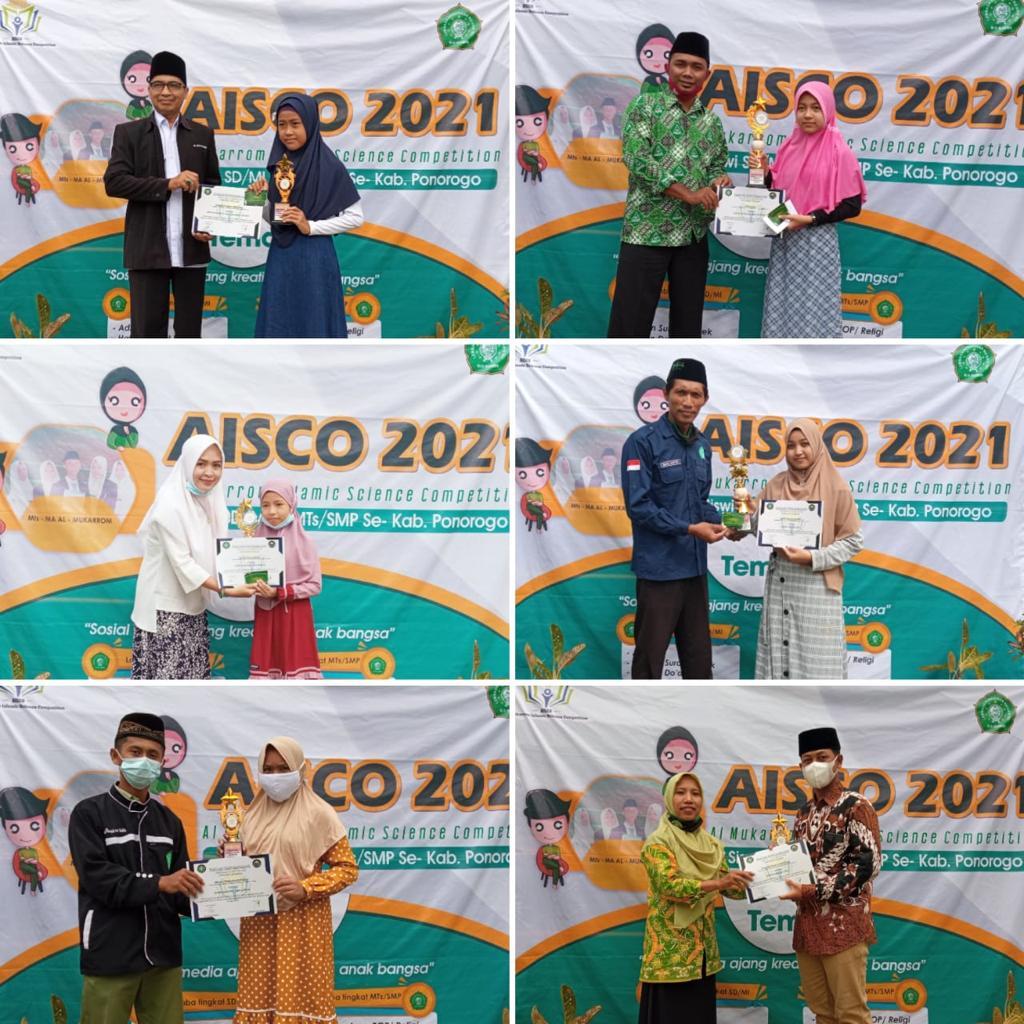 Pemberian hadiah kepada para pemenang lomba AISCO