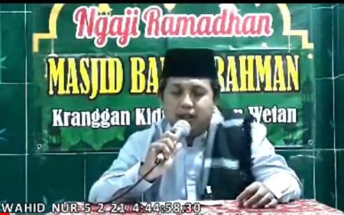 Tampilan layar Youtube kuliah subuh di masjid Baiturrohman Kranggan, Patihan Wetan