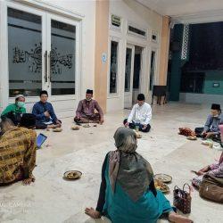 Suasana Rapat panitia pengajian Ahad Pon pagi di masjid NU Ponorogo, Rabu (26).