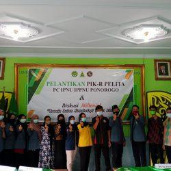 Jajaran pengurus PIK-R Pelita usai dilantik awal tahun ini