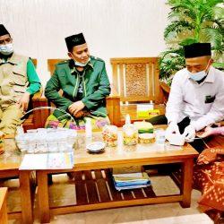 Kunjungan tim peduli kesehatan Kyai ke rumah Kyai Muhsin, Mayak