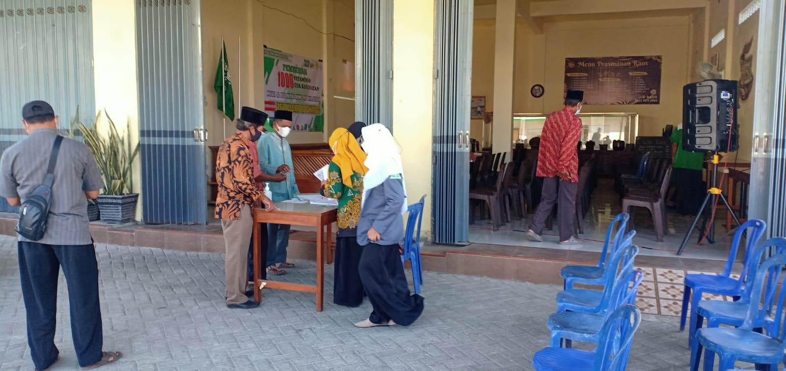 Panitia Kartanu MWC Mlarak turut memanfaatkan pada saat registrasi peserta Bimtek