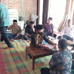Penandatangan ikrar wakaf di Ranting NU Jambon